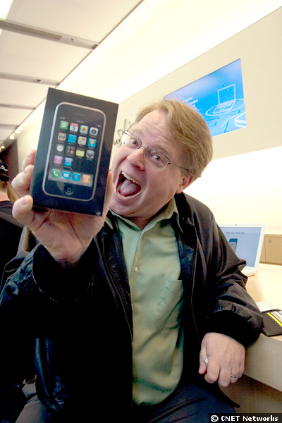 Robert Scoble with iPhone 3G