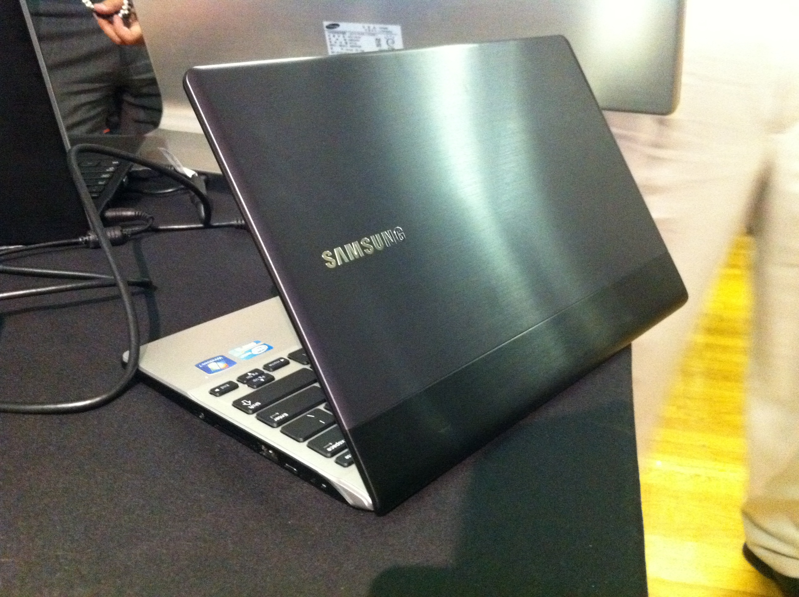 The 12.1-inch Samsung Series 3: Samsung 9's newest competition?