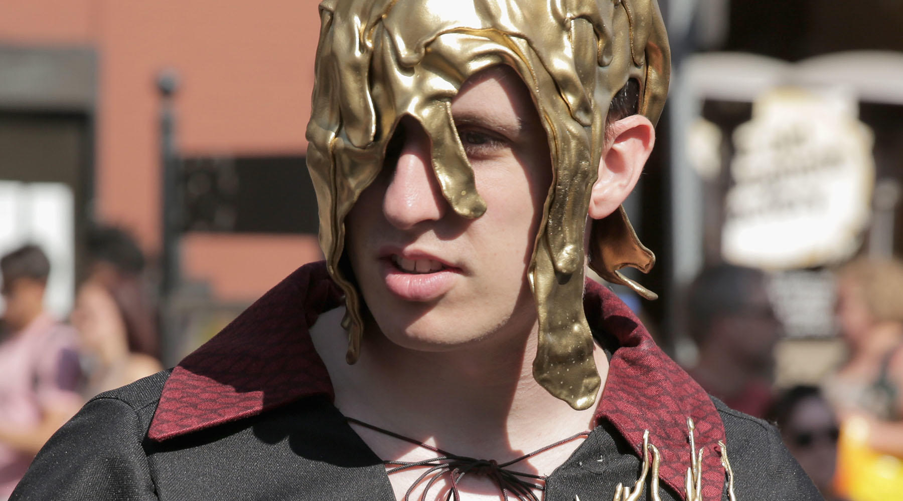 This Season 1 Beggar King cosplay that's pure gold