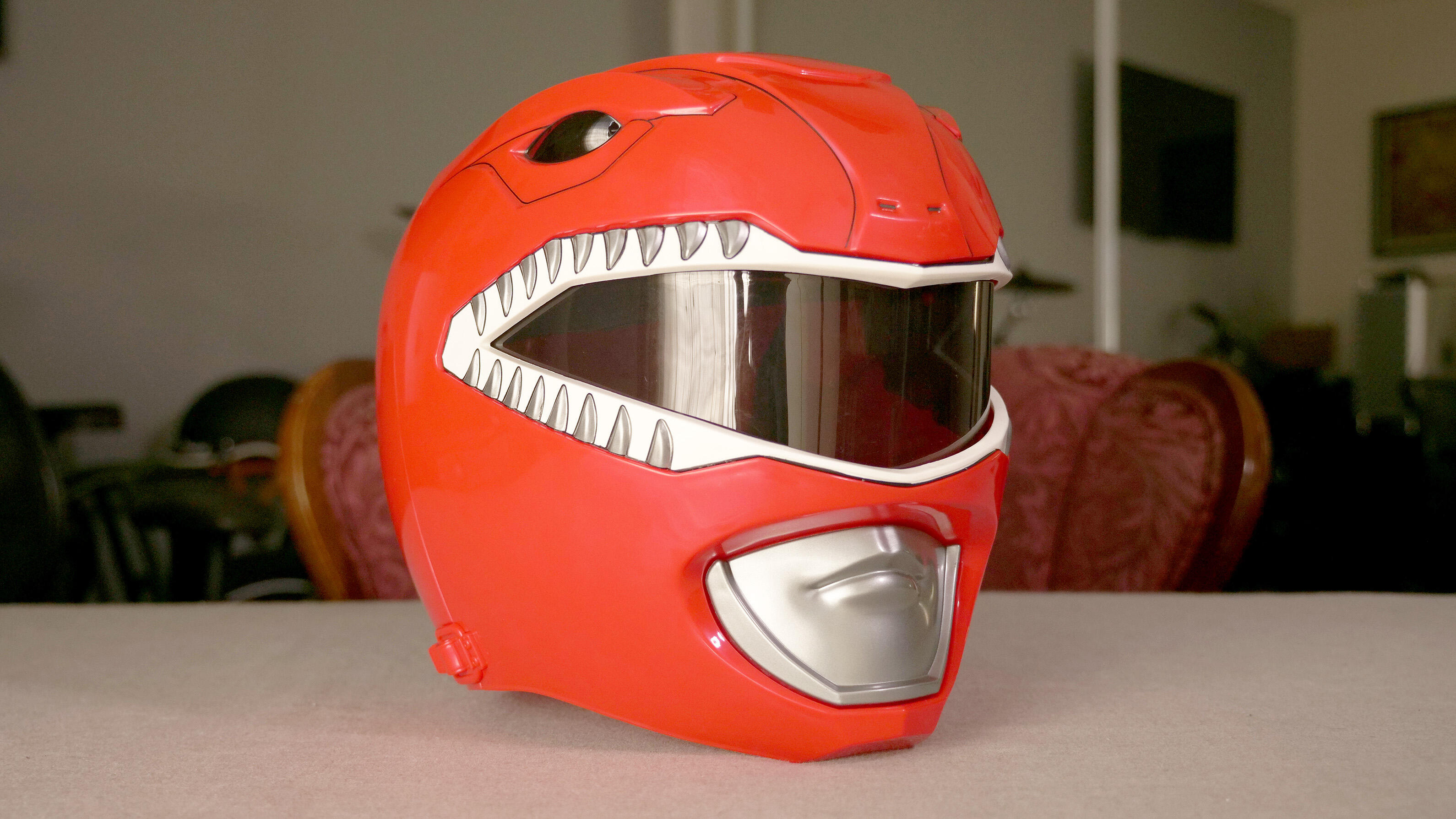 Video: Mighty Morphin Red Ranger Helmet unboxing