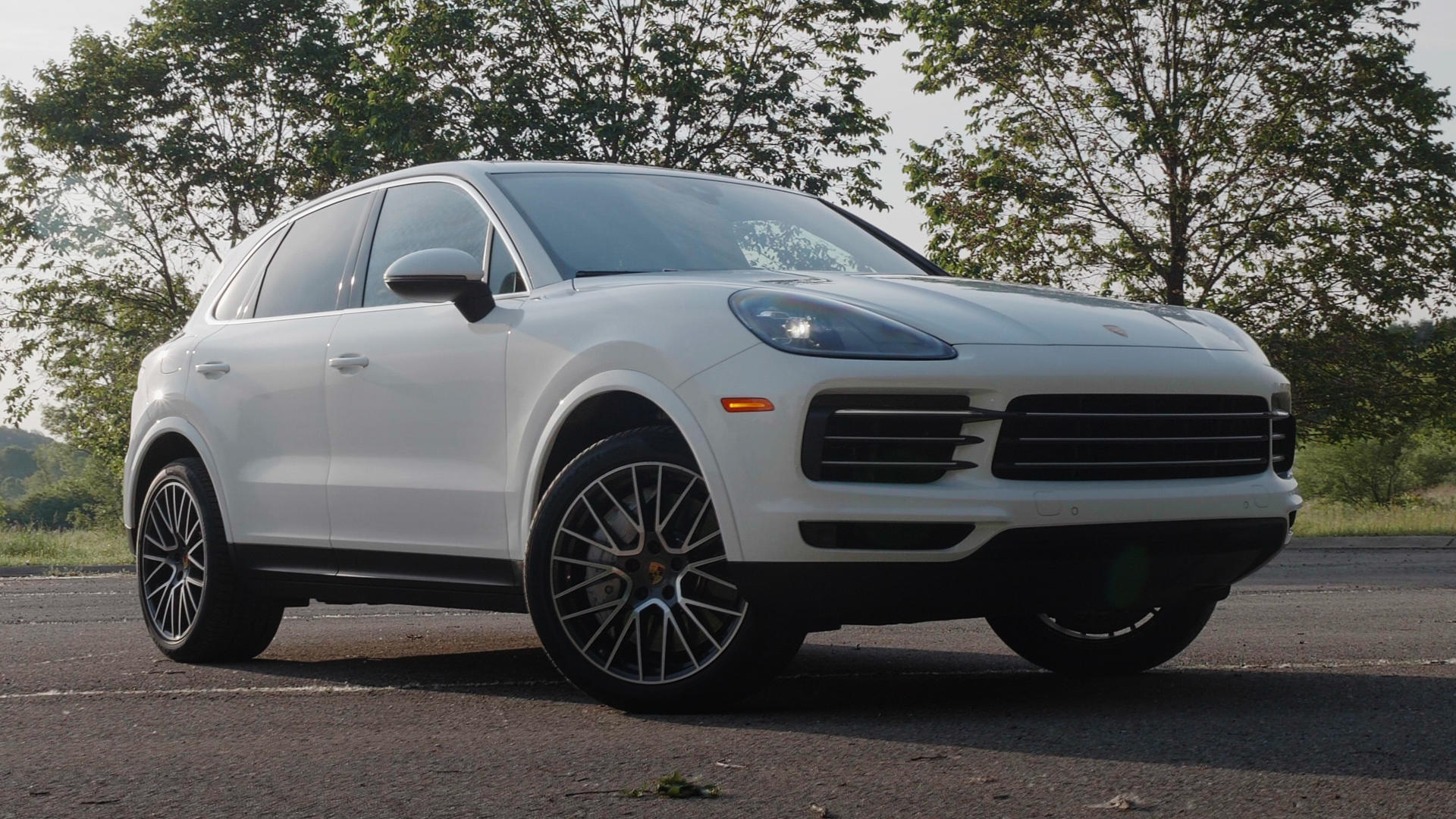Video: 2019 Porsche Cayenne S: Sporty almost to a fault