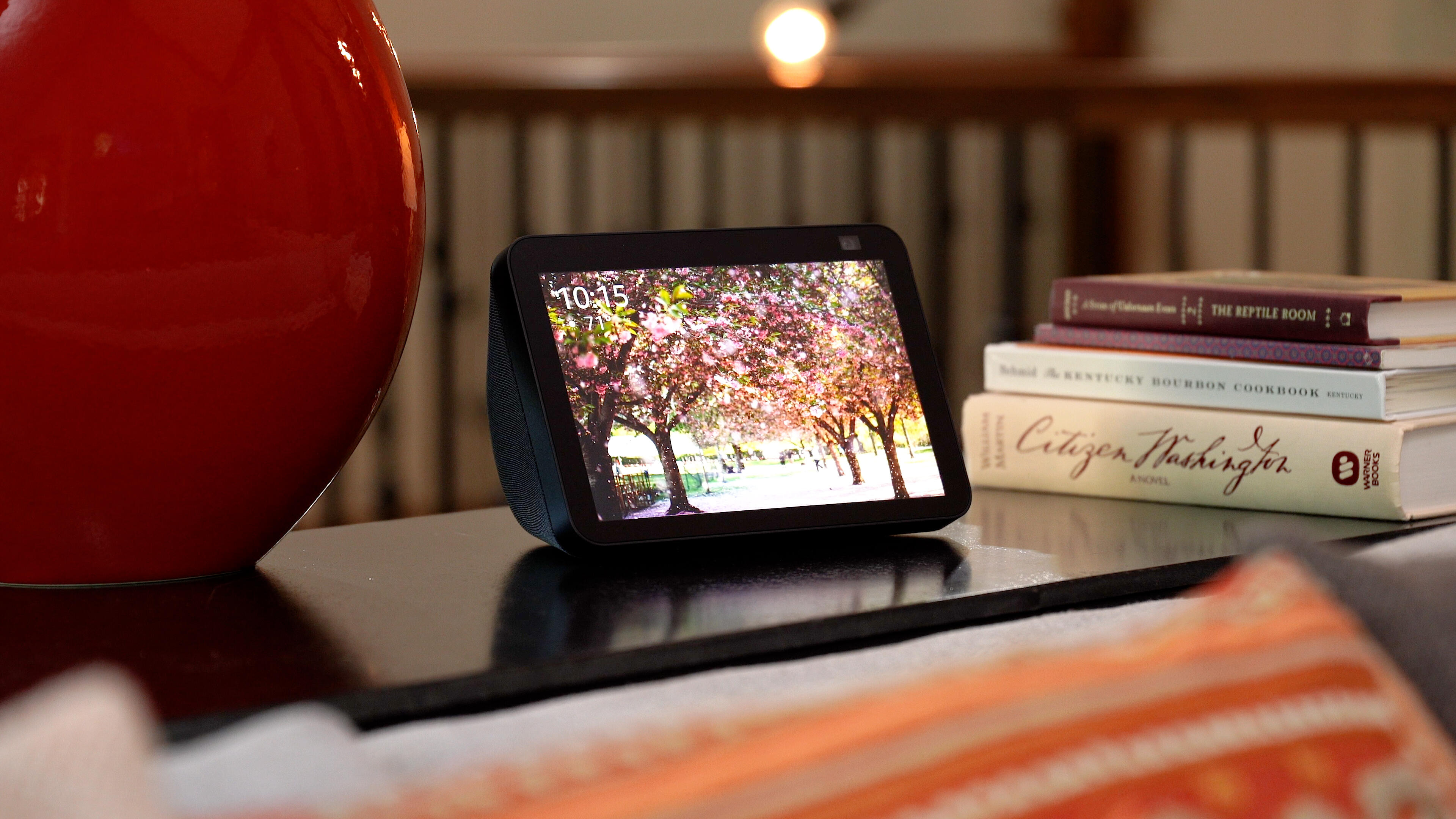 Video: The new Echo Show 8 adds just enough to be a worthwhile upgrade