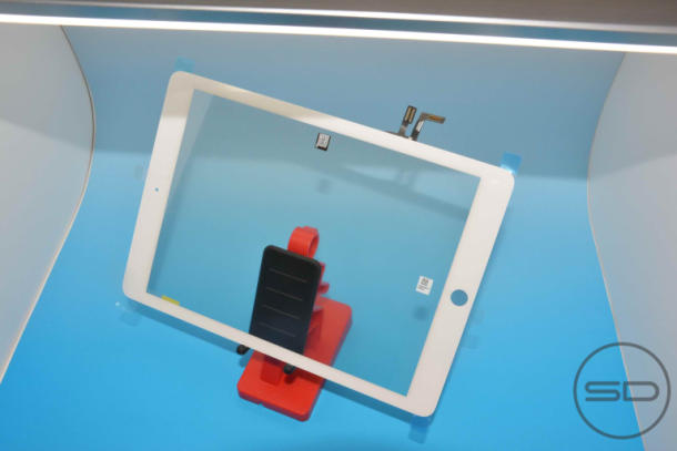 The rumored iPad 5 with a Mini-like bezel will likely be announced at a later date.