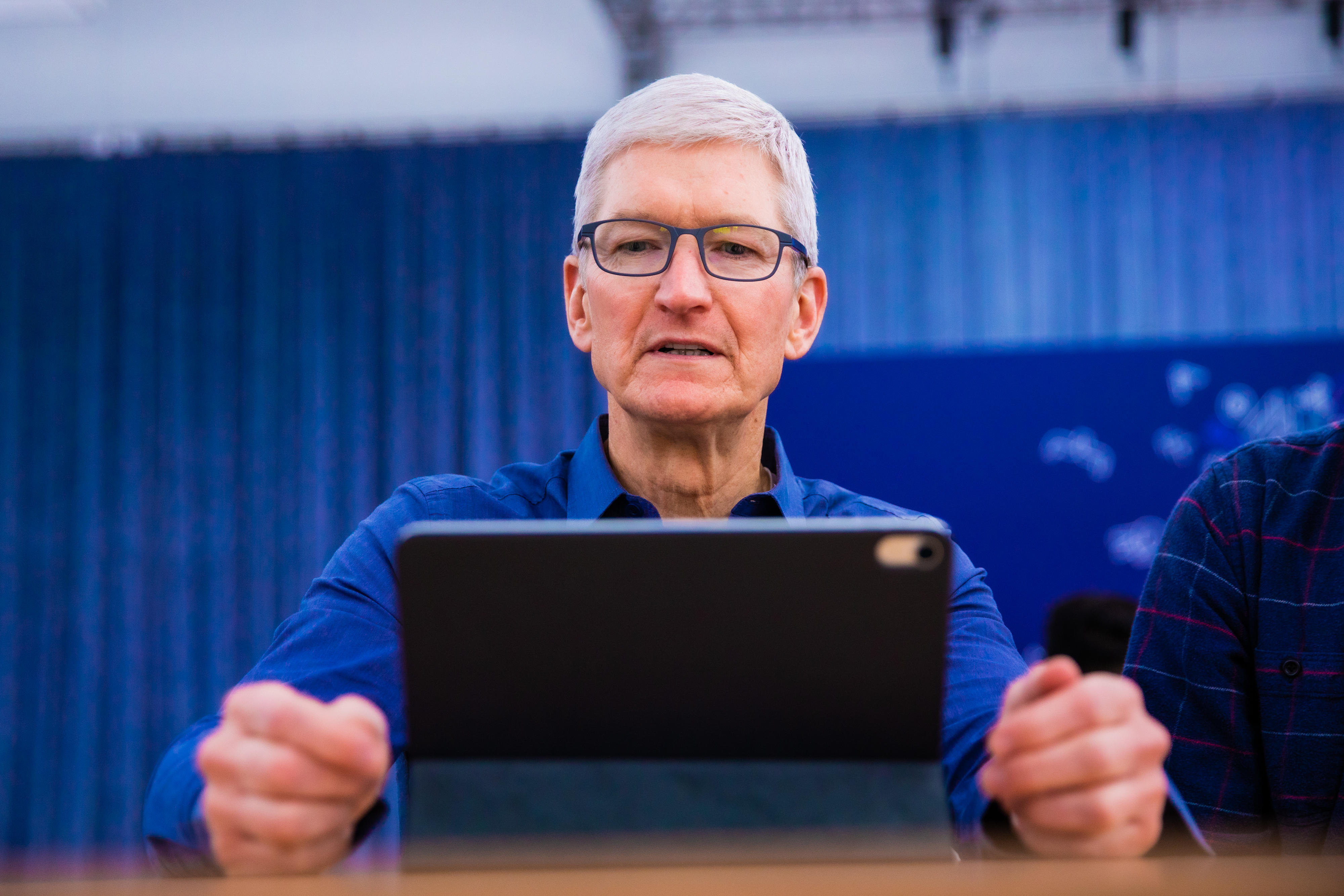 Tim Cook on Facebook data privacy