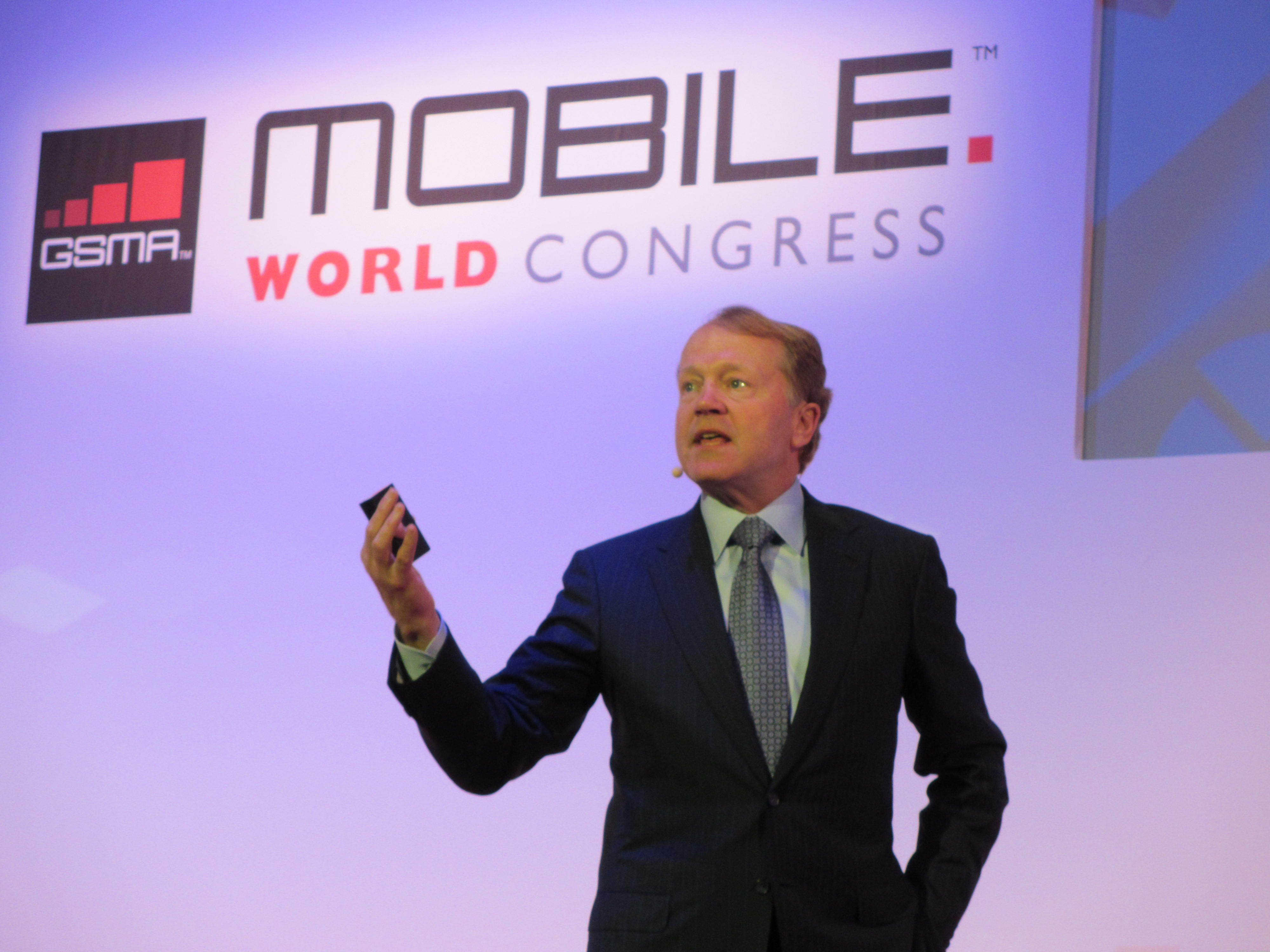 John Chambers, Cisco Systems CEO, talks about cloud services at Mobile World Congress 2012.