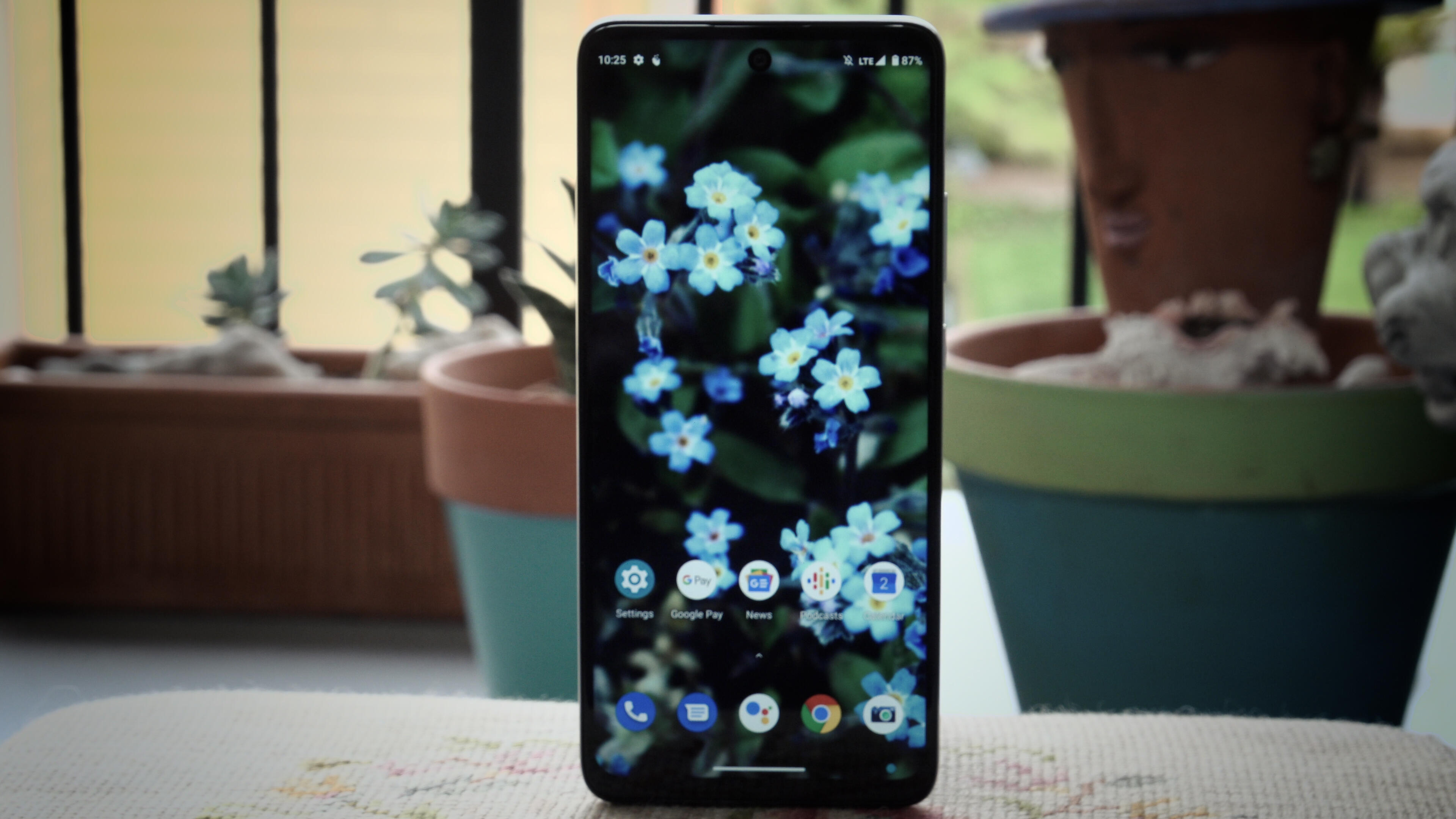 Video: Review: Motorola One 5G Ace is a $400 phone you can buy for $20