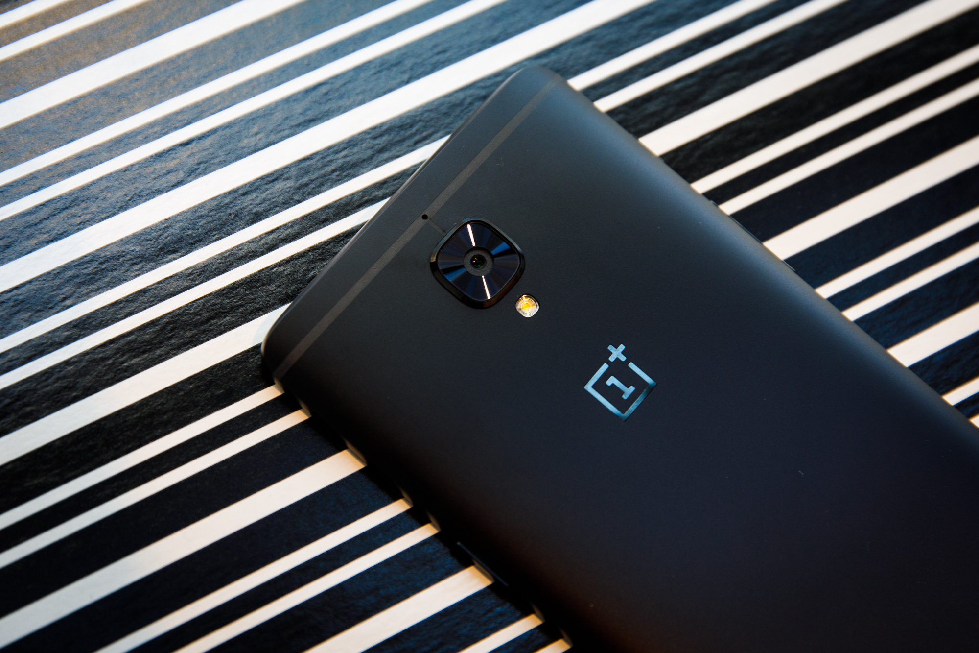 OnePlus 3T in black