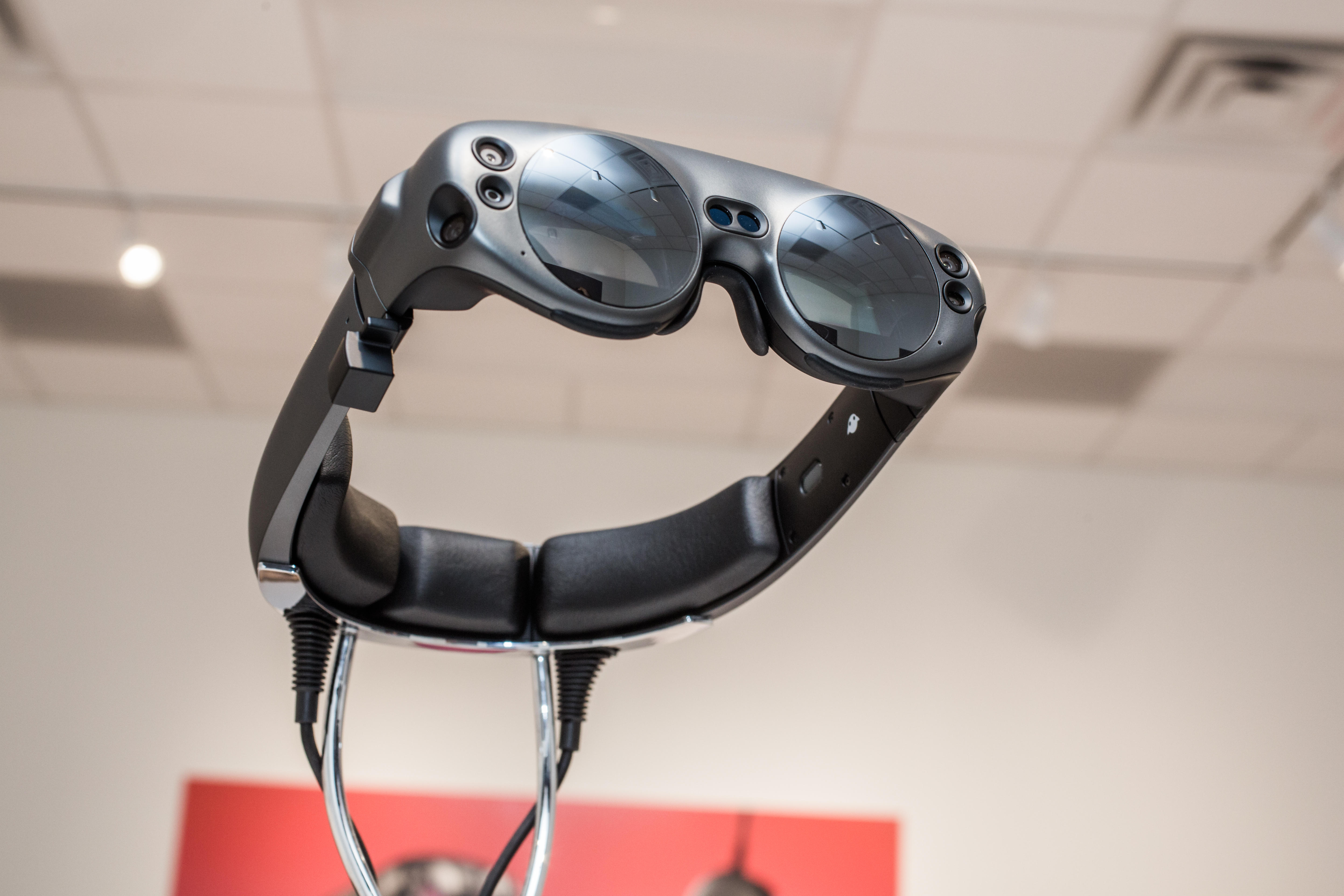 Magic Leap 2 headset to be unveiled at 'end of this year,' CEO says     - CNET
