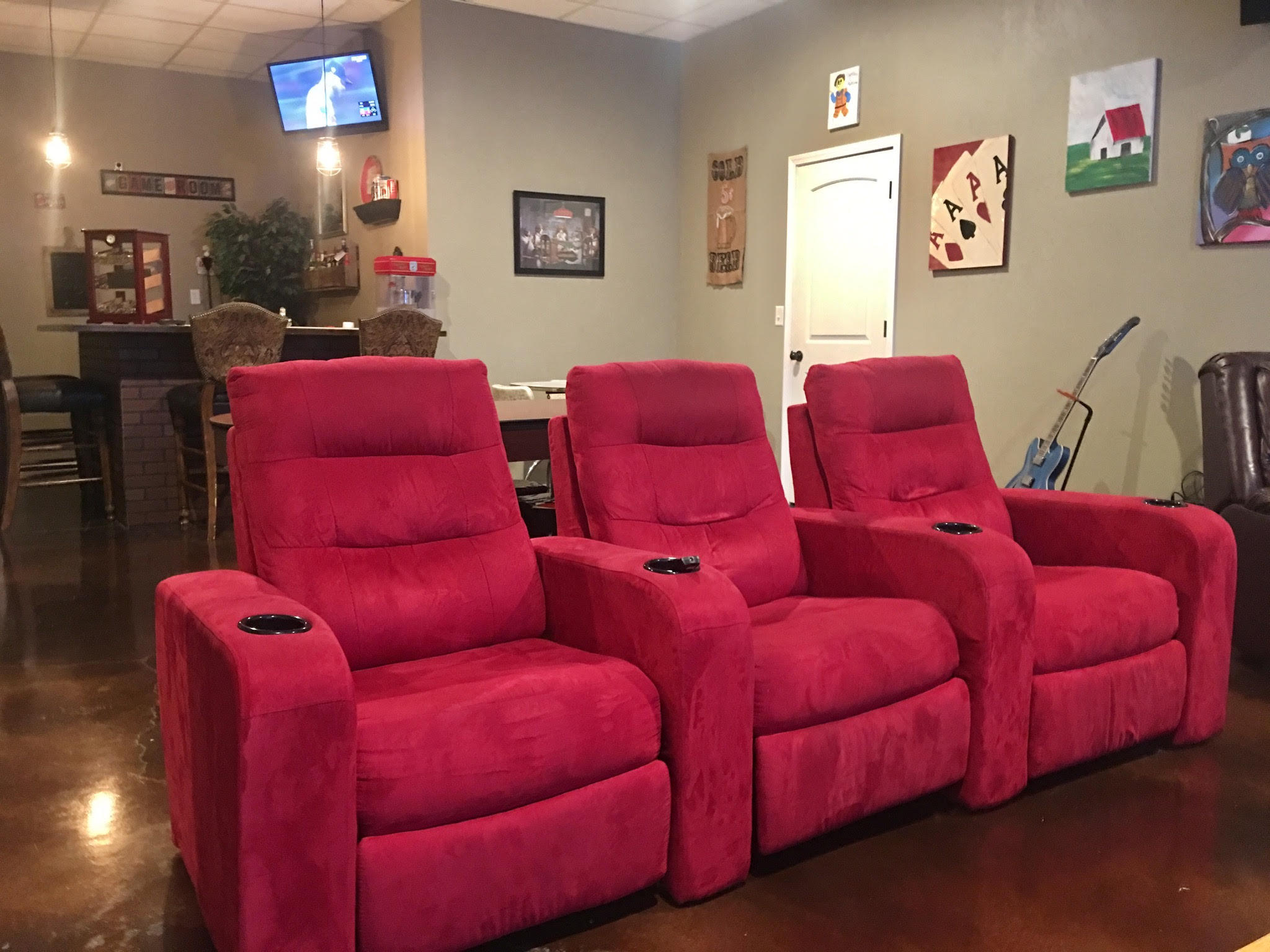 curtis-theater-red-chairs-2