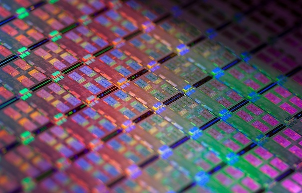 Intel could become the go-to guy for high-end ARM chips.