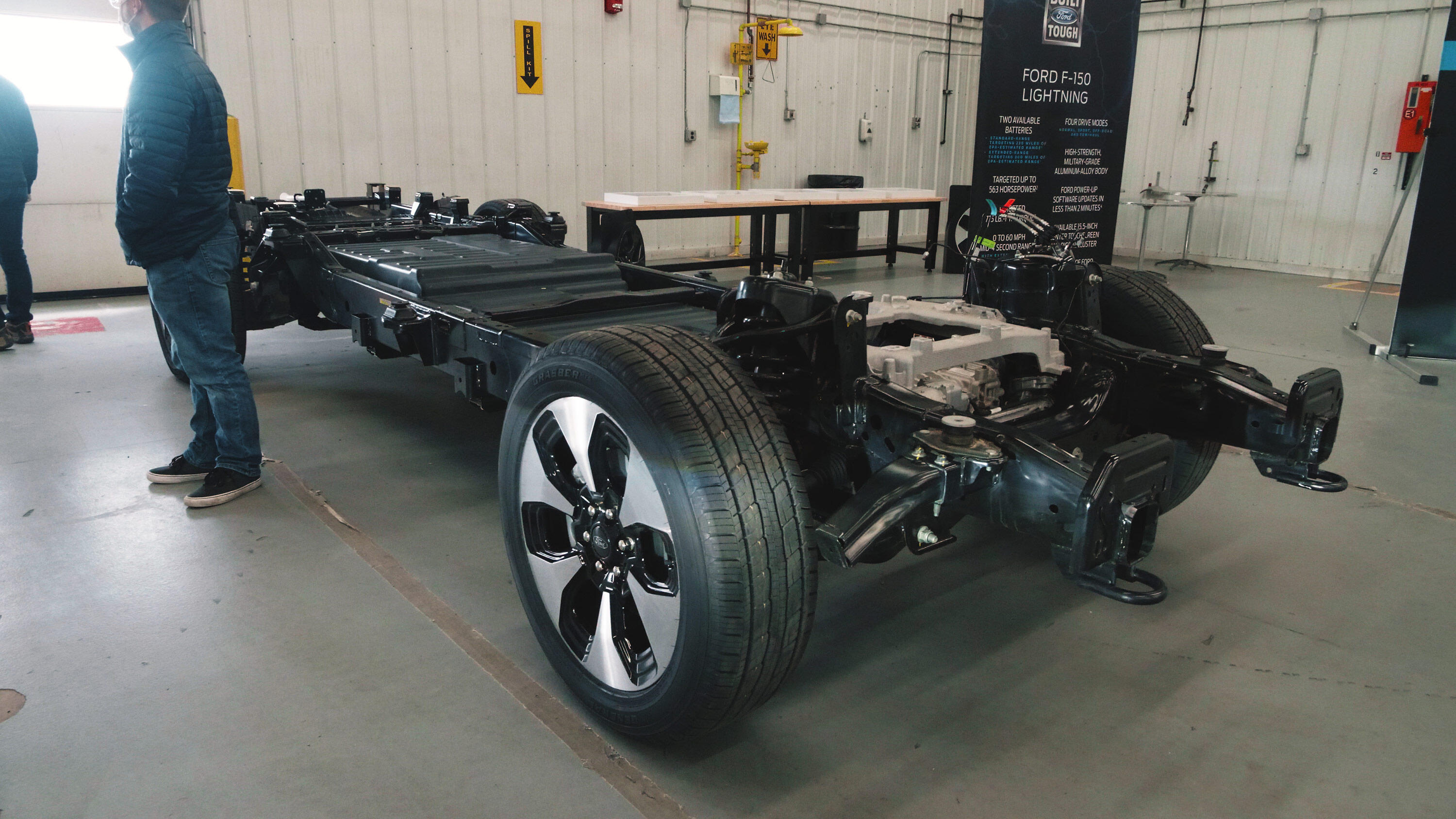 2022 Ford F-150 Lightning - chassis