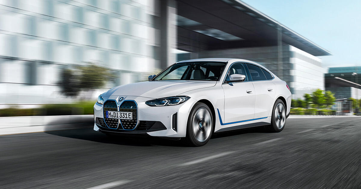 2022 BMW i4 eDrive40 and M50 bring electric power and new infotainment technology
