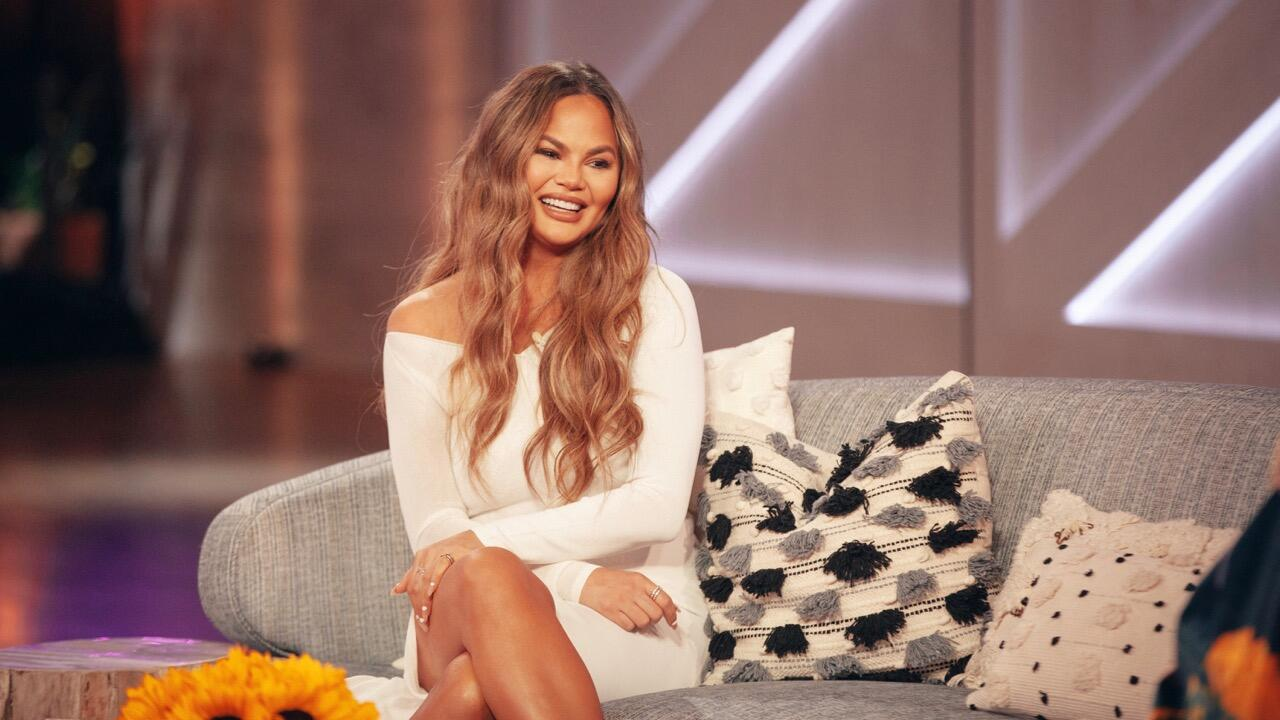 Chrissy Teigen's online bullying of Courtney Stodden explained: What to know