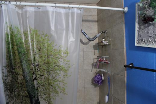 5 Tips For Cleaning Your Shower Curtain, How To Clean The Plastic Shower Curtain