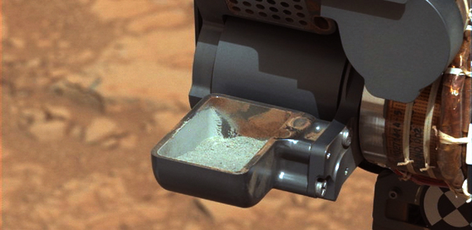 First sample from the interior of a rock on another planet