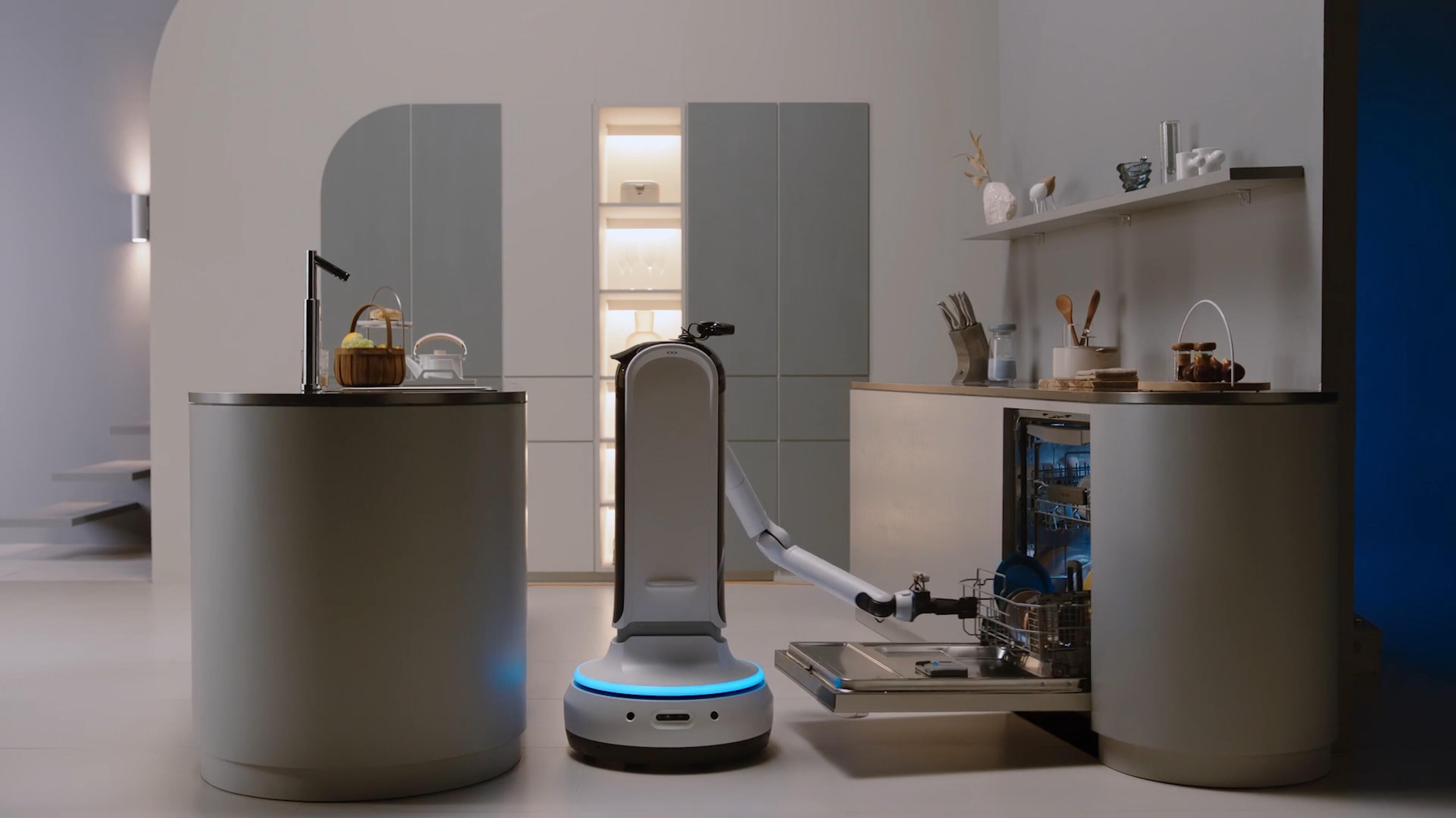 Video: Samsung's newest lineup of CES robots includes a butler to pick up your messes