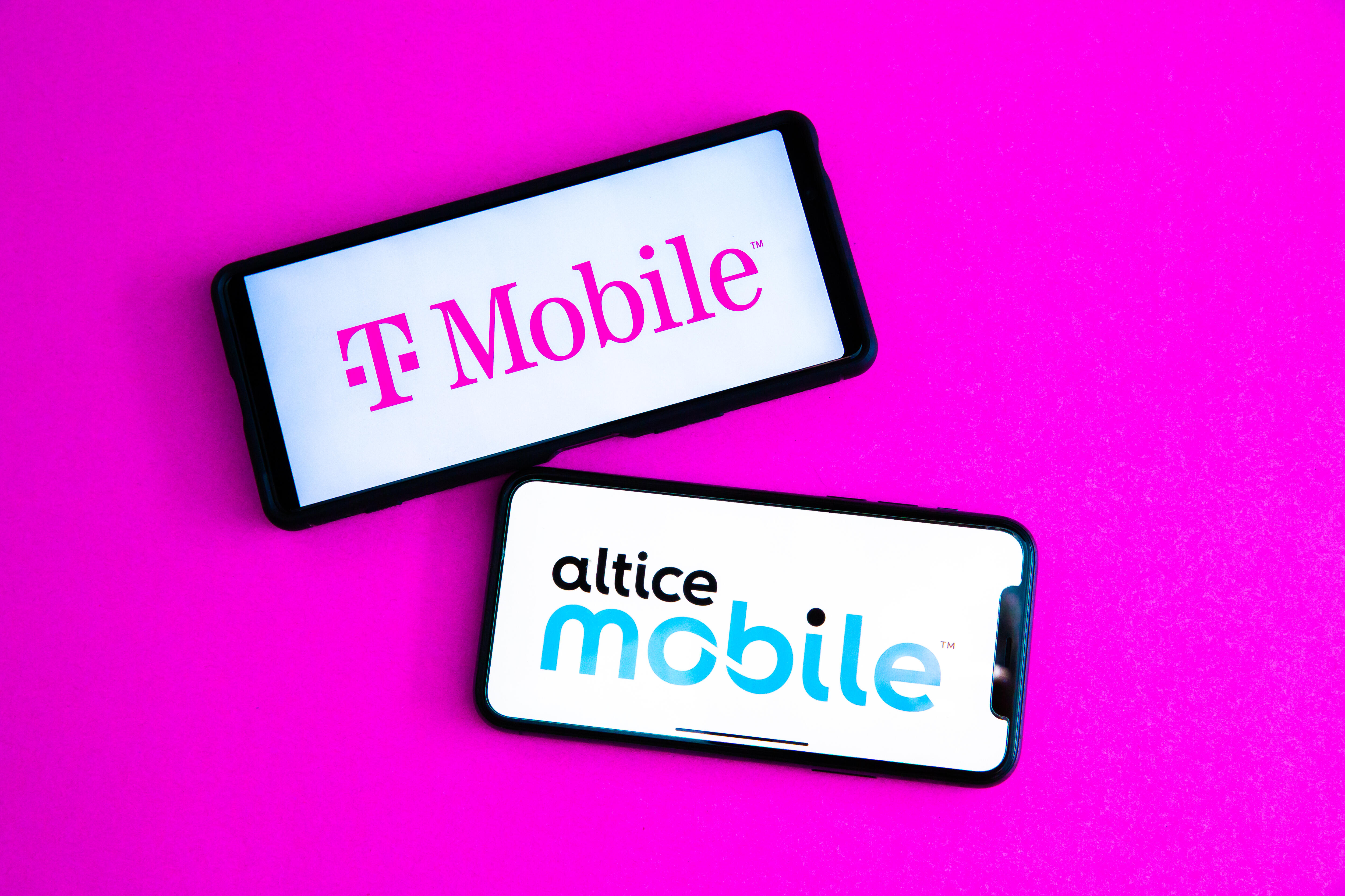 t-mobile-versus-altice-mobile-wireless-network-service-provider-review-cnet-2021-91
