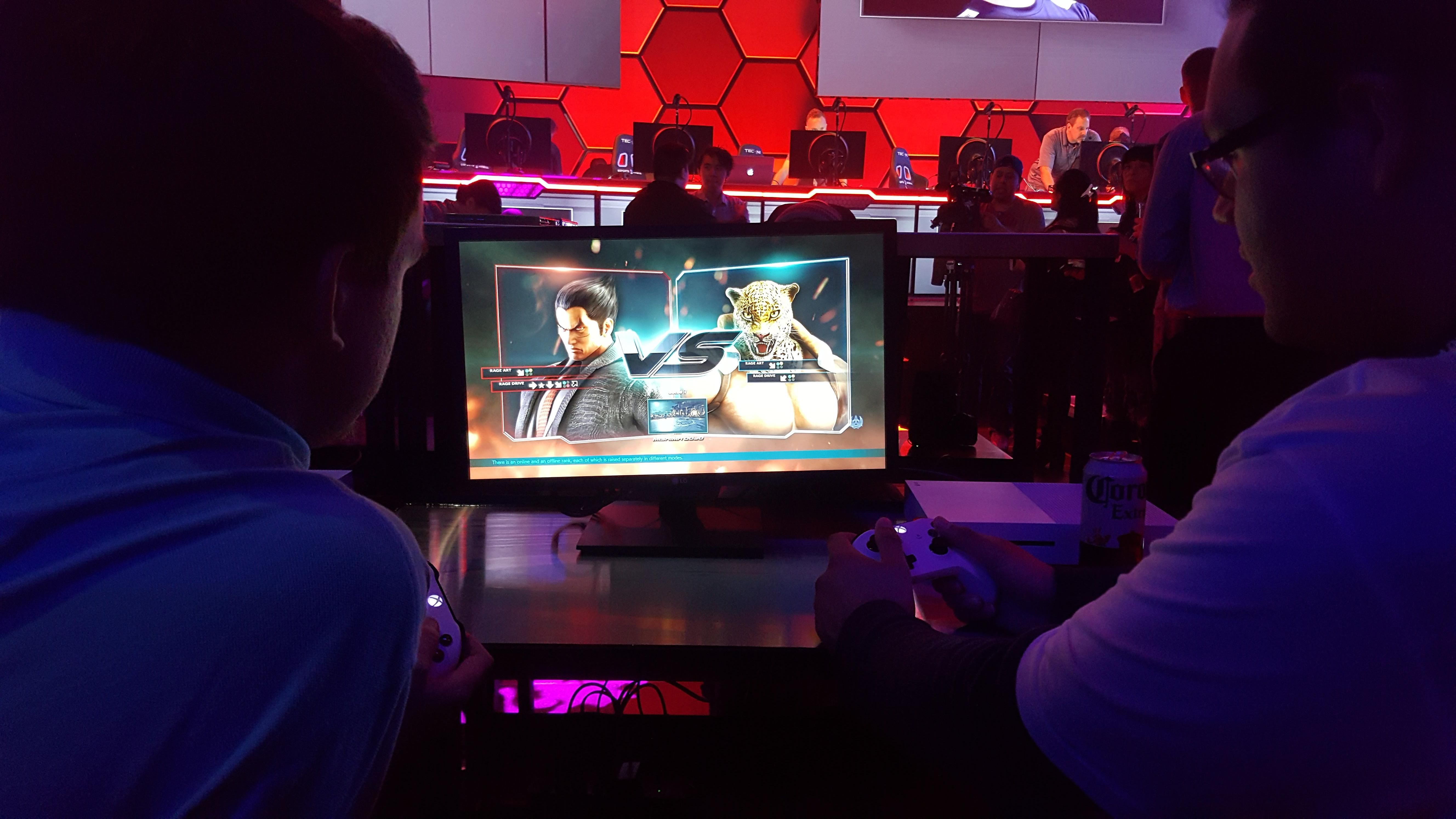 esports-arena-console-gaming-station-mike-sorrentino-cnet
