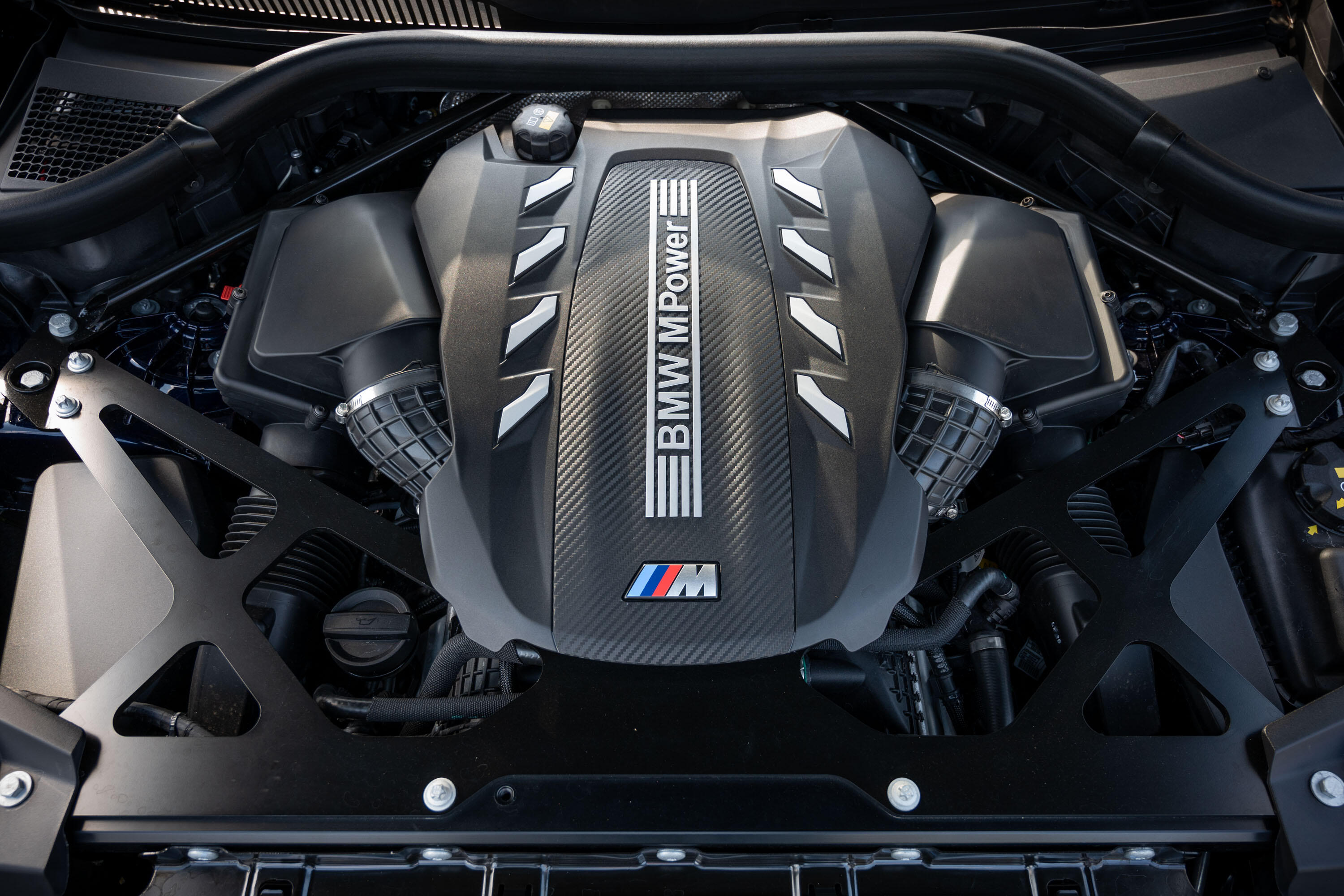 2020-bmw-x5-m-competition-18