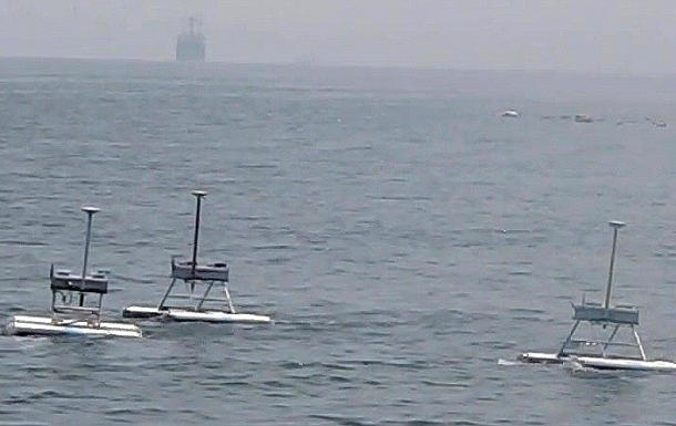 Hunter-killer robots to take out the jellyfish